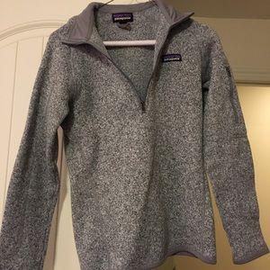 grey patagonia half zip pull over